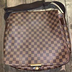 Louis Vuitton Bastille Damier Messenger bag